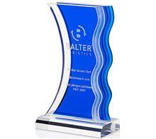 """Acryl Trophäe Blau:   Acryl Trophäe """"Ocean Wave Award""""  Auf der Welle des Erfolges schwimmen Sie"""