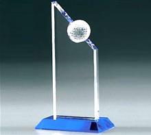 Golf-Glastrophäe:   Klassischer GOLF Award für Ihre Sieger.  Kombination aus tiefblauem Kristal