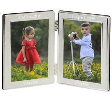 Doppelfotorahmen versilbert:   Doppel-Fotorahmen versilbert, anlaufgeschützt.  Gravur auf beiden Seitenob