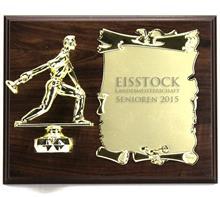 """Holzschild """"Eisstockschütze"""":   Braunes Holzschild 25x20cm  zum Hängen oder Stellen  mit Figur """"EISSTOCKSC"""
