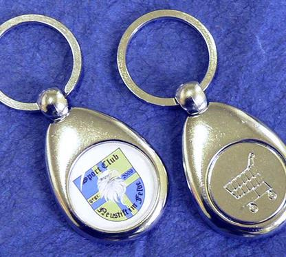 """SChlüsselkette mit Zwerg u. Einkaufschip:    Silberne Schlüsselkette  Vorderseite:  inkl. Standardemblem """"ZWERG"""" Ø25mm"""